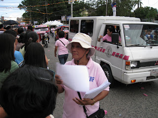 Bayani Fernando early campaigning in Leyte