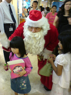 Singaporean Santa Claus picture 1