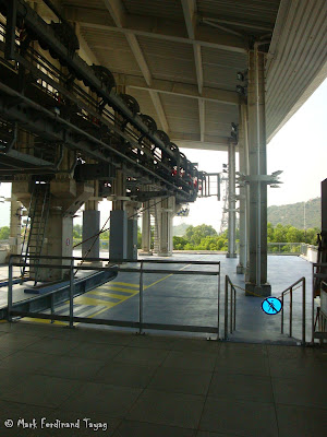Ngong Ping Cable Car Photo 4