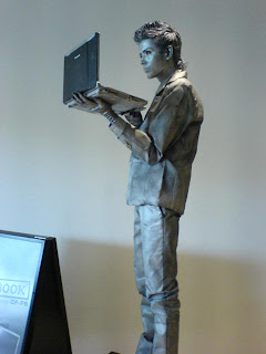 statue guy IT show