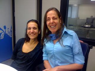 Mara Gabrilli ao lado de Claudia Maximino