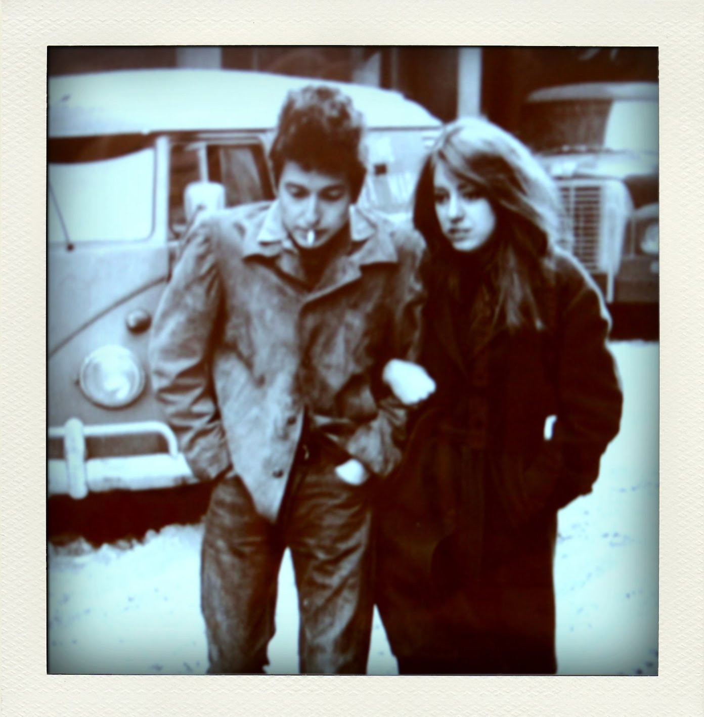http://1.bp.blogspot.com/_yavP5M_4h14/TAKnGY5_F7I/AAAAAAAAAjM/NEX7o1Frbtw/s1600/Bob-Dylan.jpg