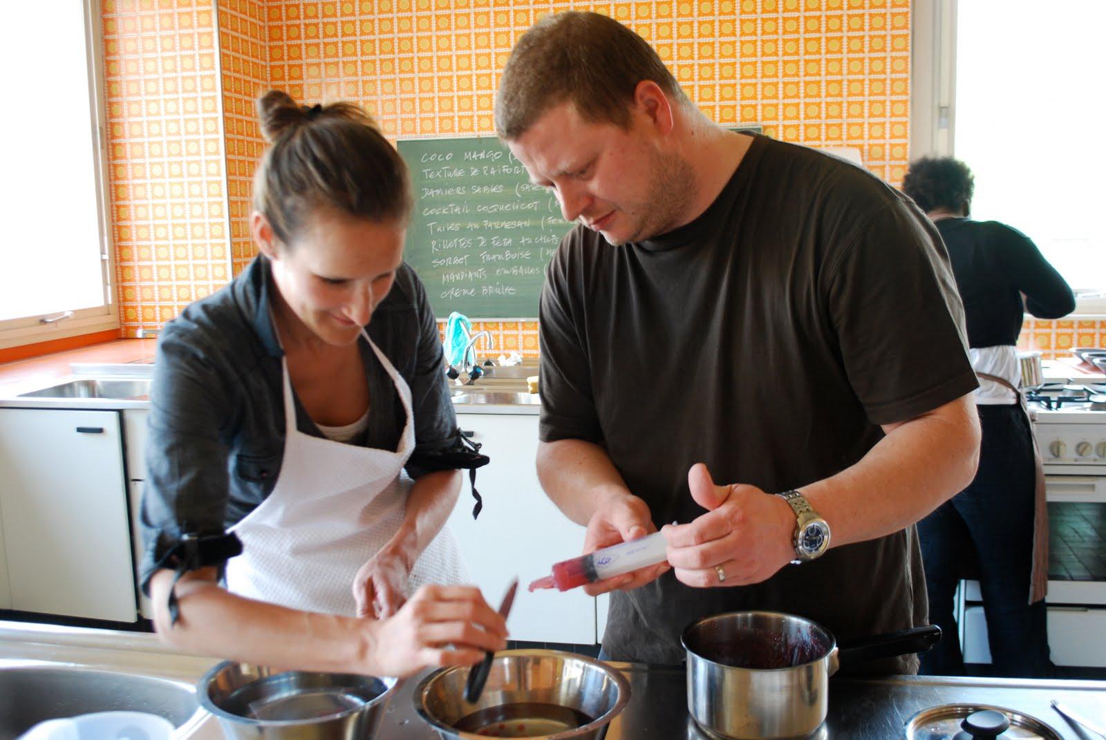 Cuisine creative et moleculaire 2010 l 39 ogre tapas sambal for Seringue cuisine moleculaire