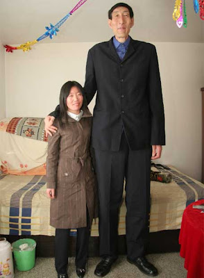 http://1.bp.blogspot.com/_ybNUB8i5Mzw/RgrMnPkM7yI/AAAAAAAABDM/-G6UvfVTVmw/s400/Bao_Xishun_junto_esposa_Xia_Shujian.jpg