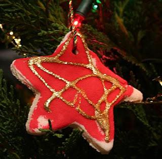 Homemade Christmas Dough Decorations - A Christmas Ornament Craft For Kids
