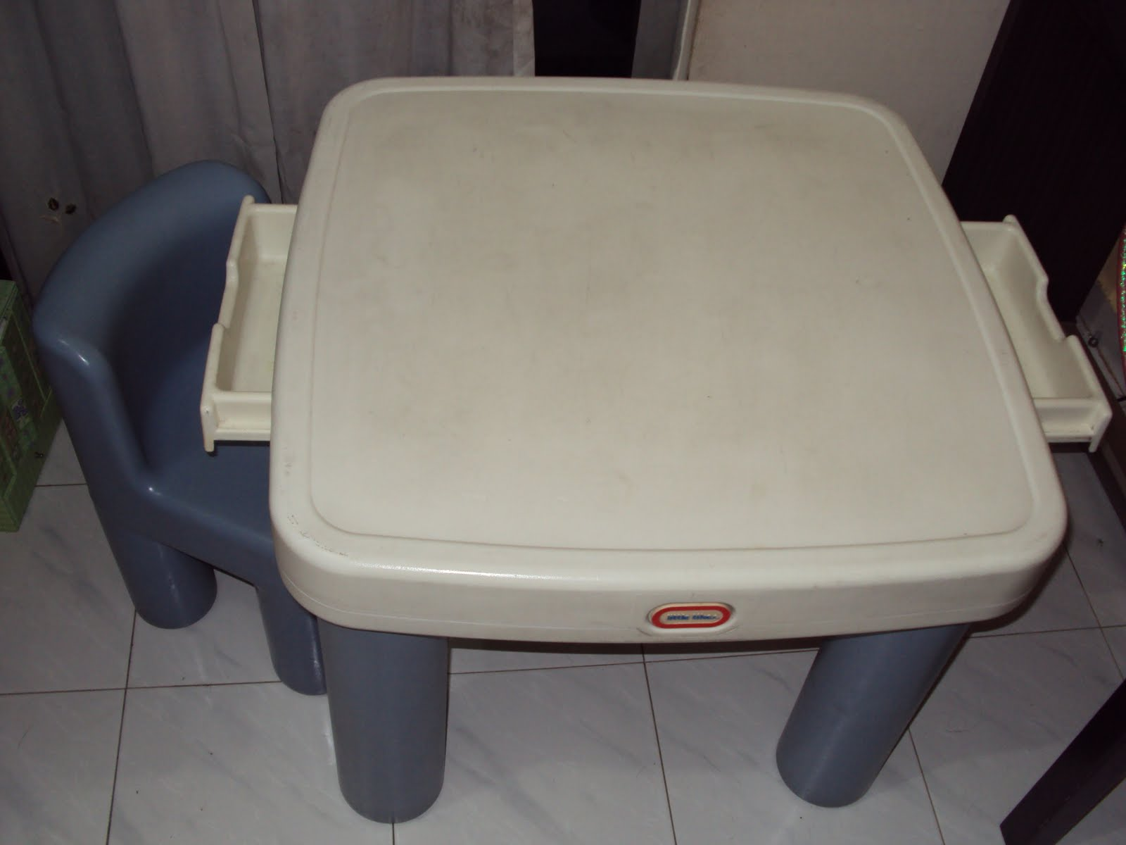Toys4toddlers little tikes table amp chair