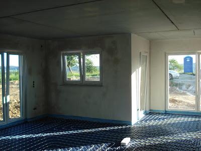 bauen mit den brachats restliche fussbodenheizung verlegt. Black Bedroom Furniture Sets. Home Design Ideas