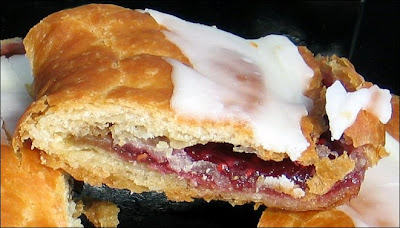 Raspberry kringle piece