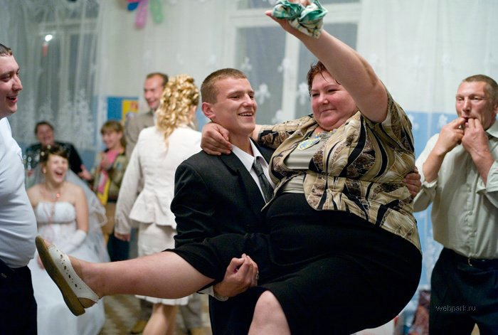 I Love Strange Unusual and Fun Wedding Pictures