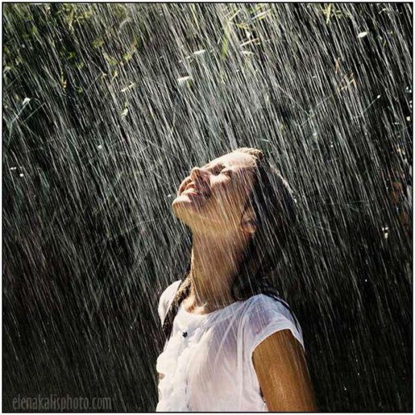 KapanLagi.com: Lirik Rihanna - Umbrella