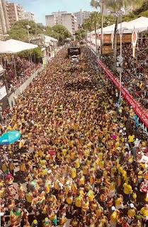 Vista panorâmica de um bloco em Salvador