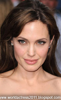 angelina jolie,actress,famous actresses,world actress 2011,hollywood,lip,cute girls