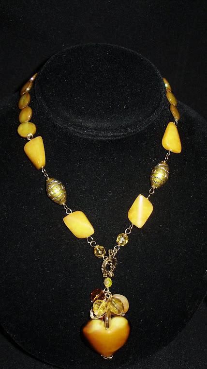 C09096 Collar elaborado en Madre Perlas, Cristales Checos, Murano y Cloisonet + Aretes