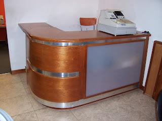 Esta en venta vendemos mobiliario for Mueble caja registradora