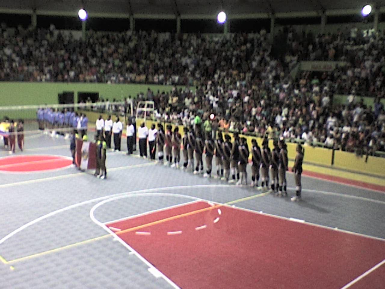 Coliseos del Perú utilizados para el voleibol DSC03358