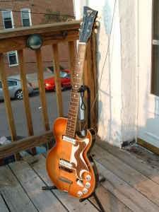 Craigslist Vintage Guitar Hunt: Crazy Cool 1965 EKO ...