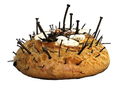 """""""Pan con Clavos"""", del guatemalteco Benvenuto Chavajay Gonzalez"""