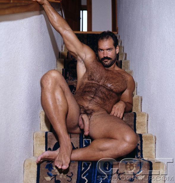 amsterdam bare foot gay