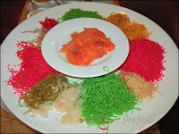 A platter of colorful Yee Sang