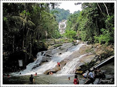 Lower section of Lata Kinjang Waterfall in Chenderiang, Perak