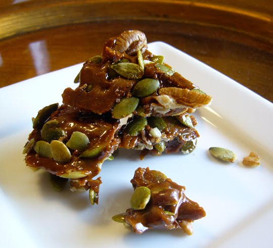 The (ex)Expatriate's Kitchen: Pecan-Pumpkin Seed Brittle