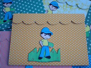 Carpetas decoradas para fin de año escolar. Hechas con cartulina