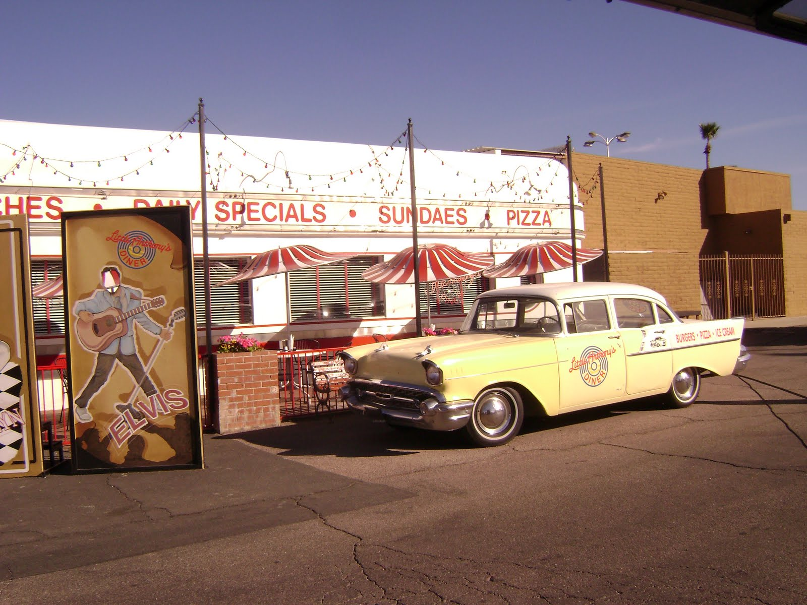 HotRods And Hubcaps Saturday In Tucson Little Anthonys Diner Car - Car show tucson today