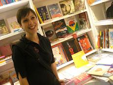 Destaque na Livraria da Travessa - Shopping Leblon/RJ.