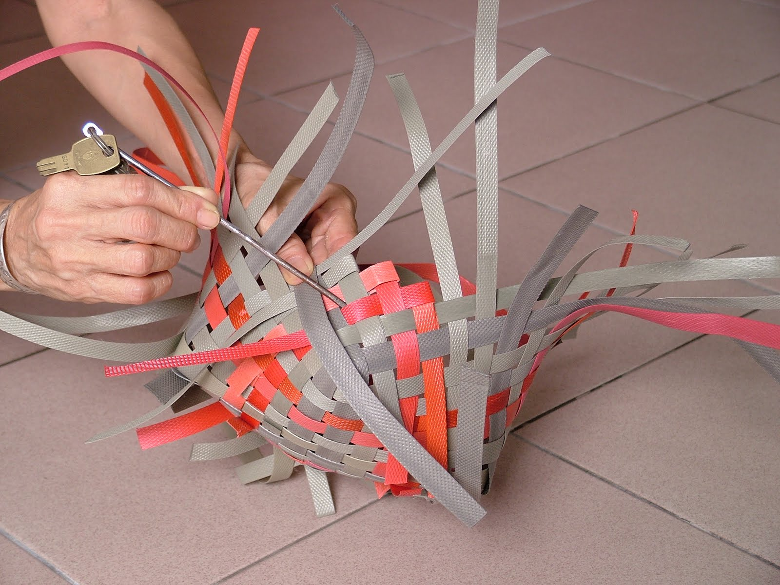 Basket Weaving Using Recycled Materials : Basketry recycled material spot using
