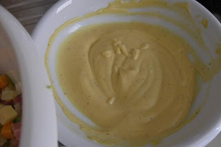 Mix mayonnaise mustard