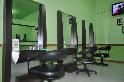 Reona Salon 'n Spa menggunakan Fasilitas Mewah