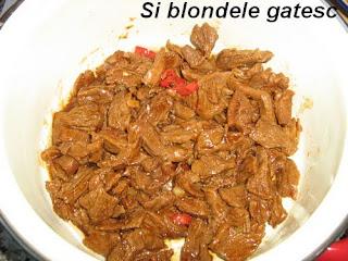 carne de vita cu sos de stridii