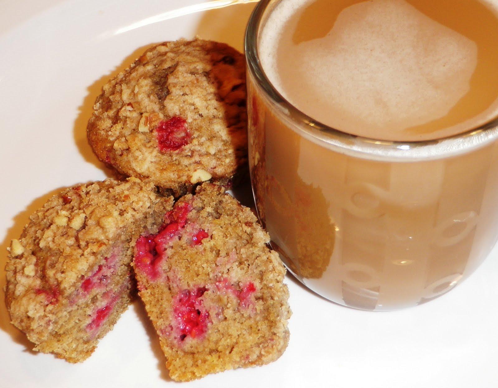 Sandra's Alaska Recipes: SANDRA'S RASPBERRY-LEMON STREUSEL MUFFINS