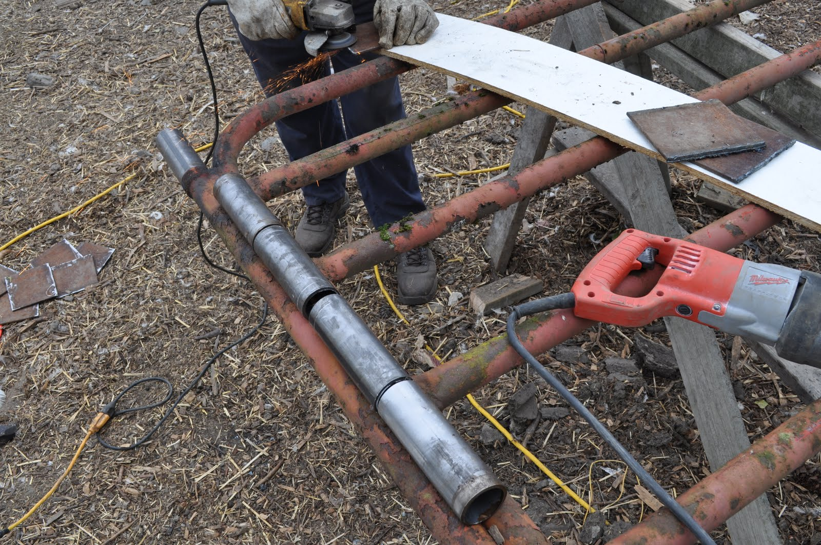 Weld On Hinge For Pipe : Meat gate hinges