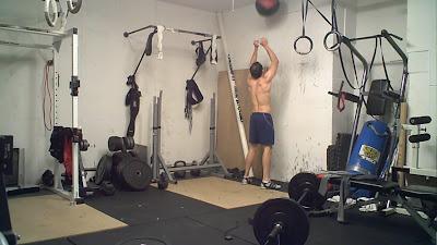 Elgin garage gym: sunday november 1: crossfit couplet wall ball