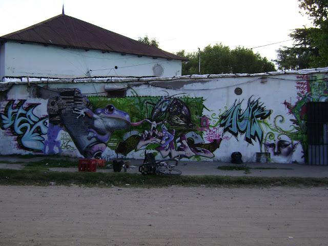 graffiti de izak ft makavre saga en buenos aires