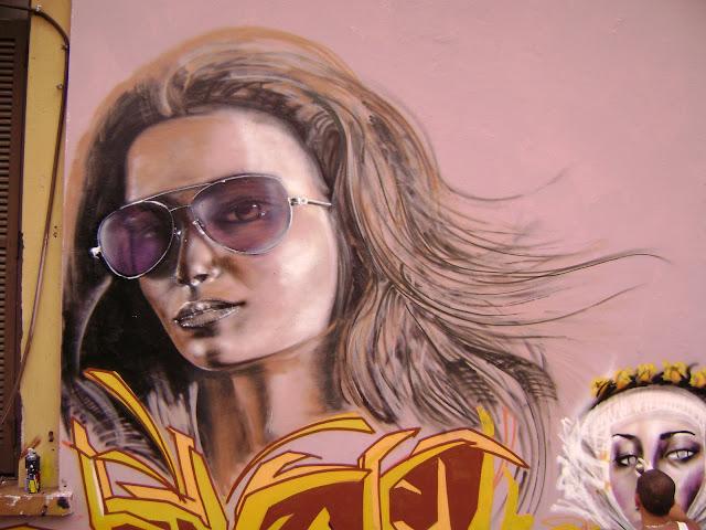 detalle de graffiti de izak en buenos aires