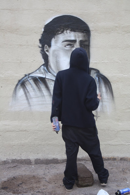 proceso de graffiti de izak, chile