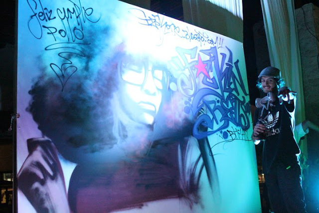 graffiti en vivo de izak en F*ckinbeats, chile