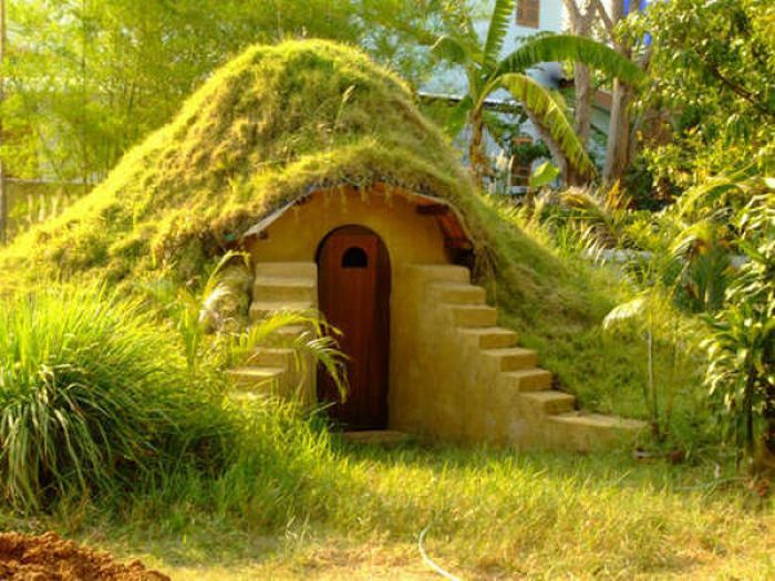 Building the Underground Hobbit House: - Cottage, cabin & small