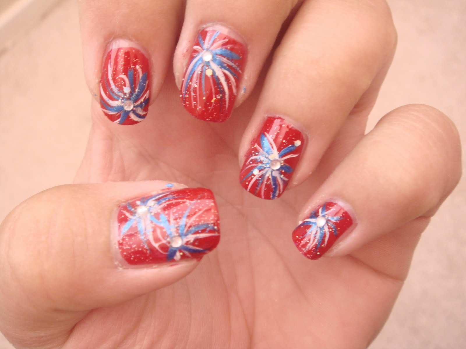Nail art pictures nail art ideas 4th july dust i topped it all off with a rhinestone and voila firework nail art prinsesfo Choice Image