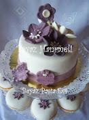 Nişan pastası ve kapkekleri
