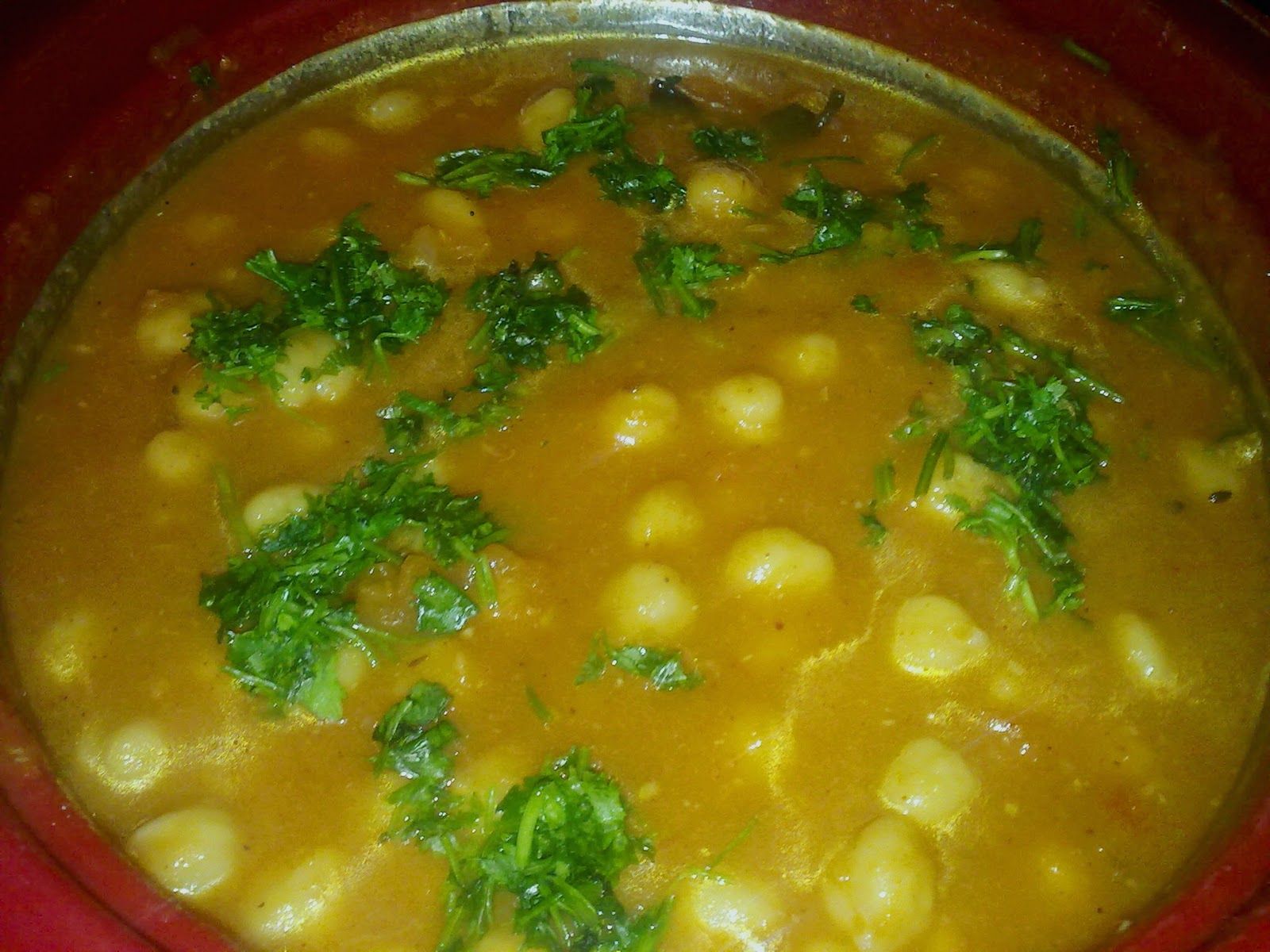 yummy to tummy: Chole / Channa Masala / Chickpea Curry