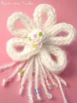 spilla fiore lana