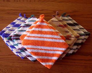Whiskers & Wool: Four Square Crochet Potholder Pattern - FREE
