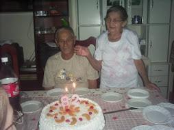Agora muita saudade de meu papi, dia 20 de março virou um anjo. a mami é muito forte. só saudade.