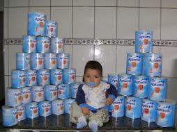 Quantas latas de leite esse bebê mamou rsrs