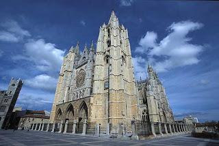 leon catedral3 1000 SITIOS QUE VER ANTES DE MORIR