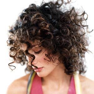 cortes de cabelos crespos curtos