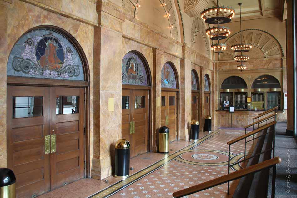 auditorium theatre chicago lobby